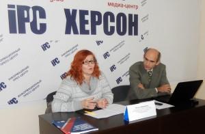 Ольга Авраменко (слева)